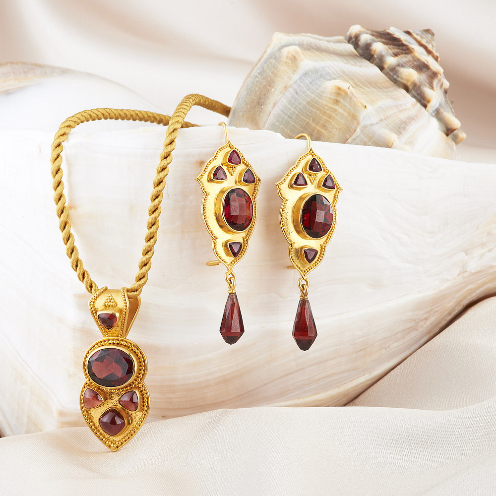 Garnet Pendant & Earrings handmade in 22k Gold.
