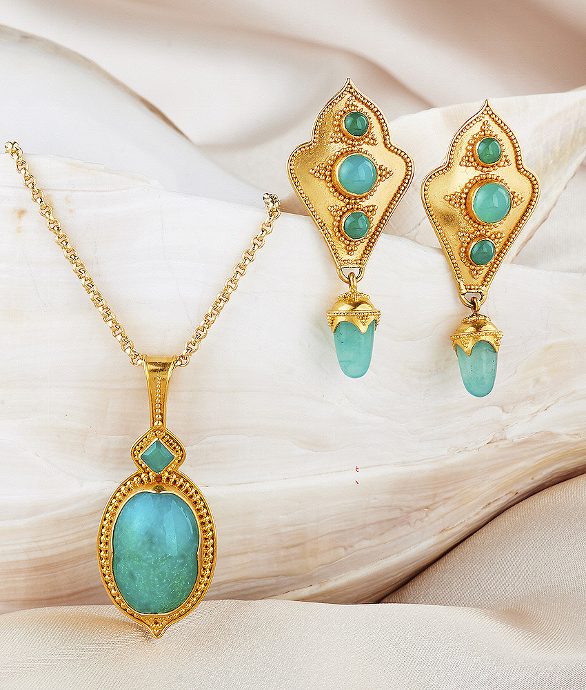 Chrysocolla Pendant & Earrings handmade in 22k Gold.
