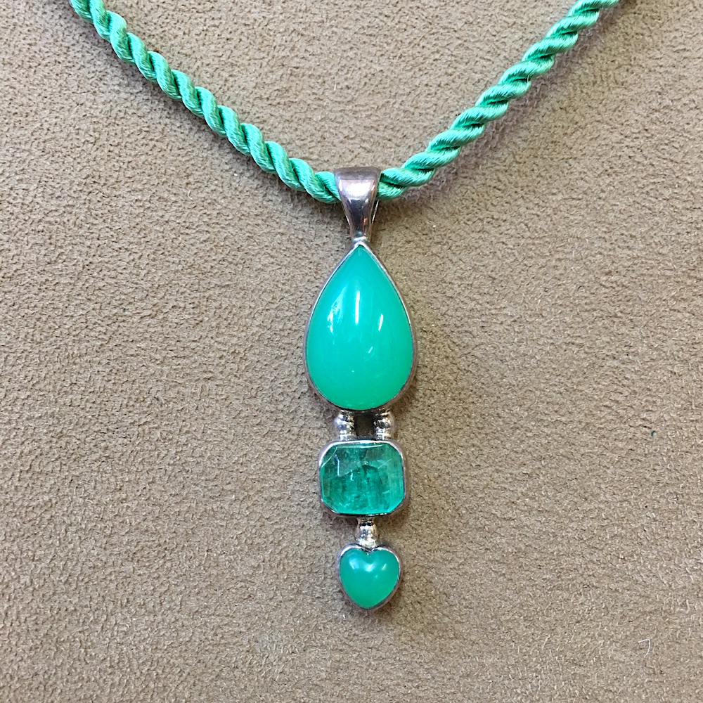 Emerald andChrysoprasePendant